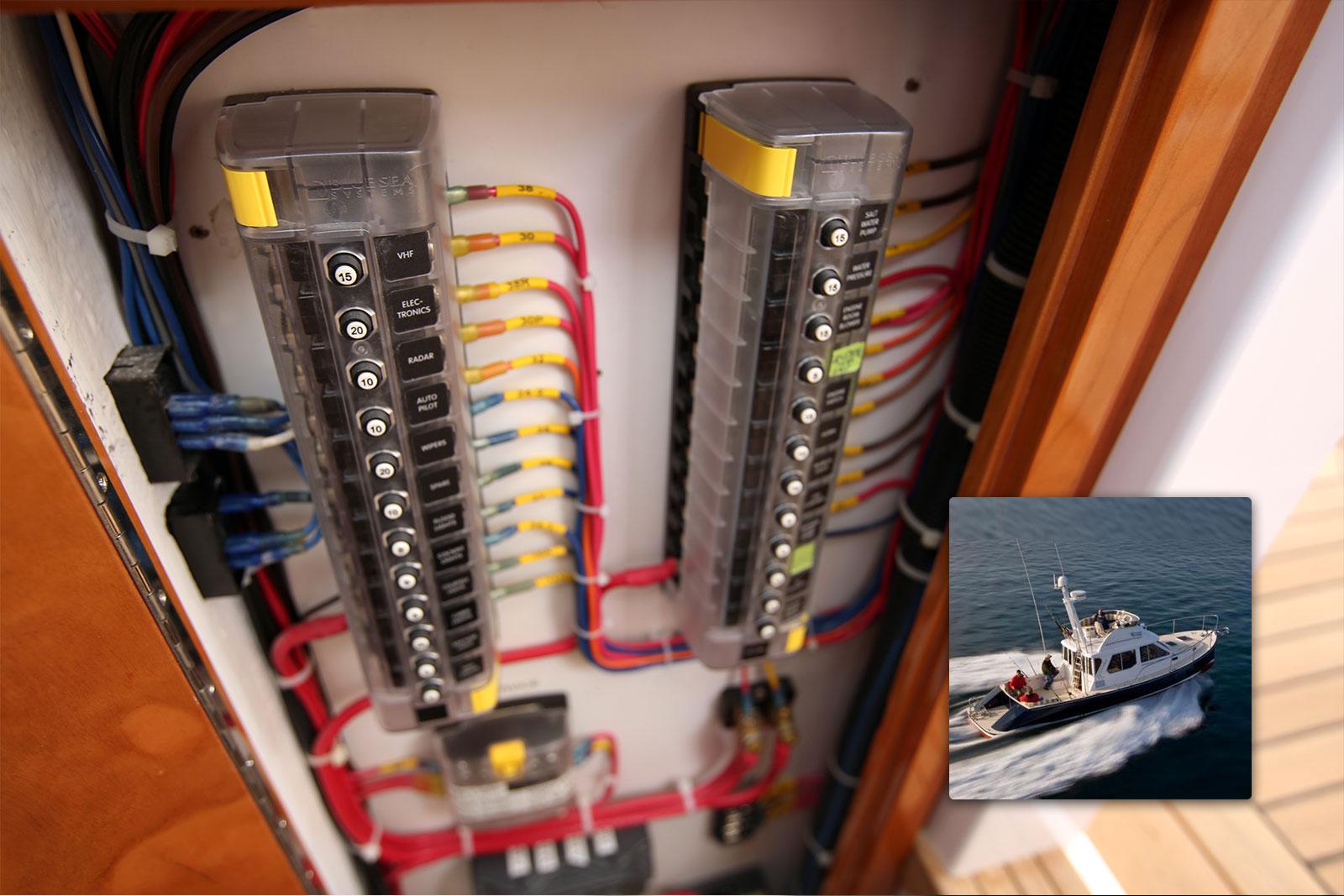 St Clb Circuit Breaker Block 12 Independent Circuits Blue Sea Wizard Download Full Free Breakers Blocks